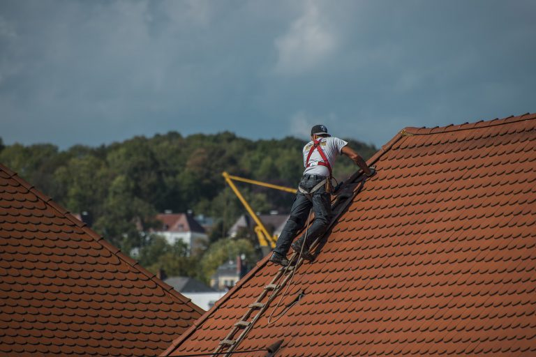 Things To Consider While Hiring A Roofers