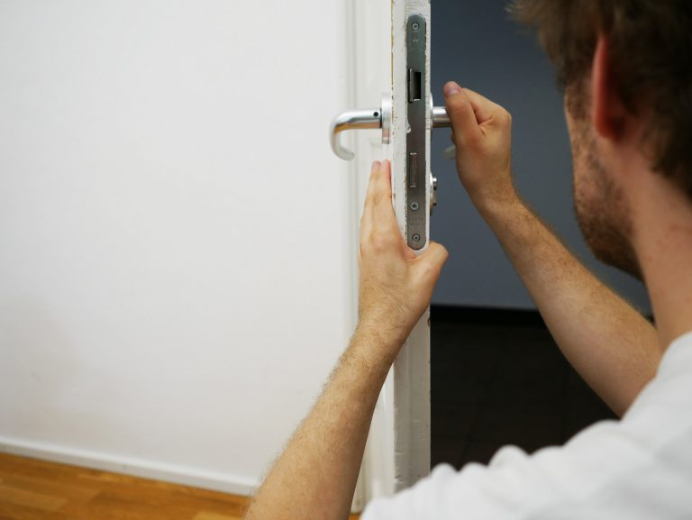 How to Find the Best Local Locksmith Services