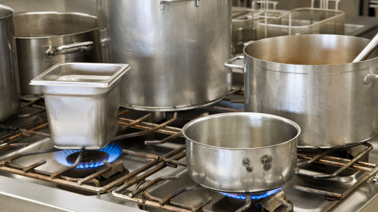 The Cooking Pots: Know The Different Types in Commercial Kitchen