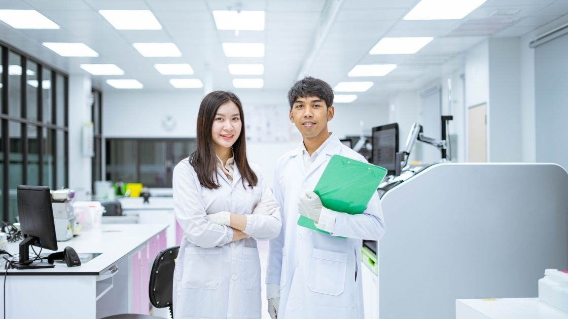 Lab Coat Types and Styles